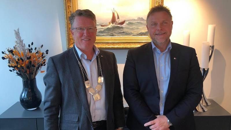 Styreleder Oskar Grimstad og Adm dir i kystrederiene Tor Arne Borge